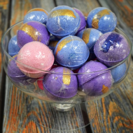 Ultimate Bath Bombs painted with Mica
